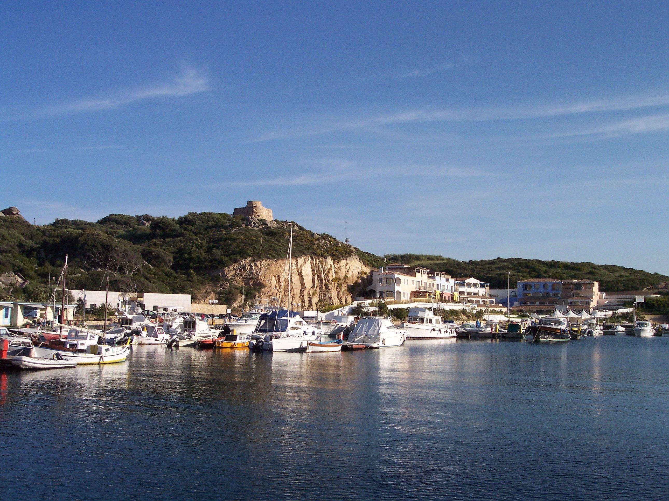 Marina di santa teresa gallura rete dei porti for Santa teresa di gallura